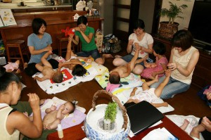 2011年7月3日わらべうたベビーマッサージ02
